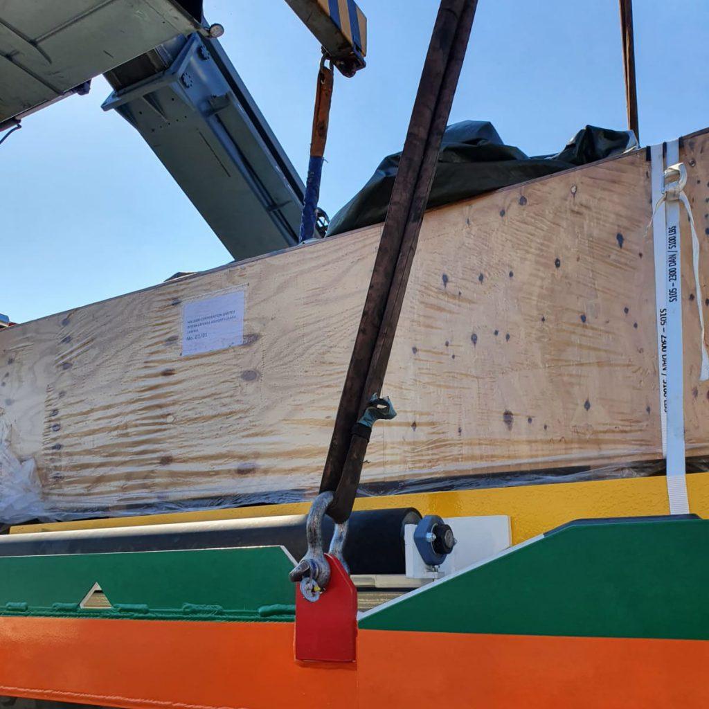 Novotrans - abnormal aircraft pallet loader